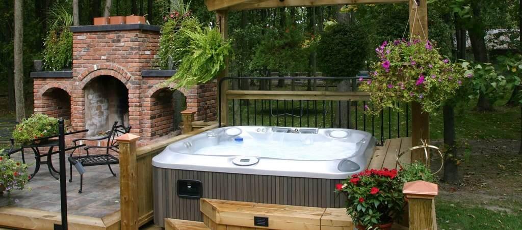 Hot_Tub_Installation_in_Garden